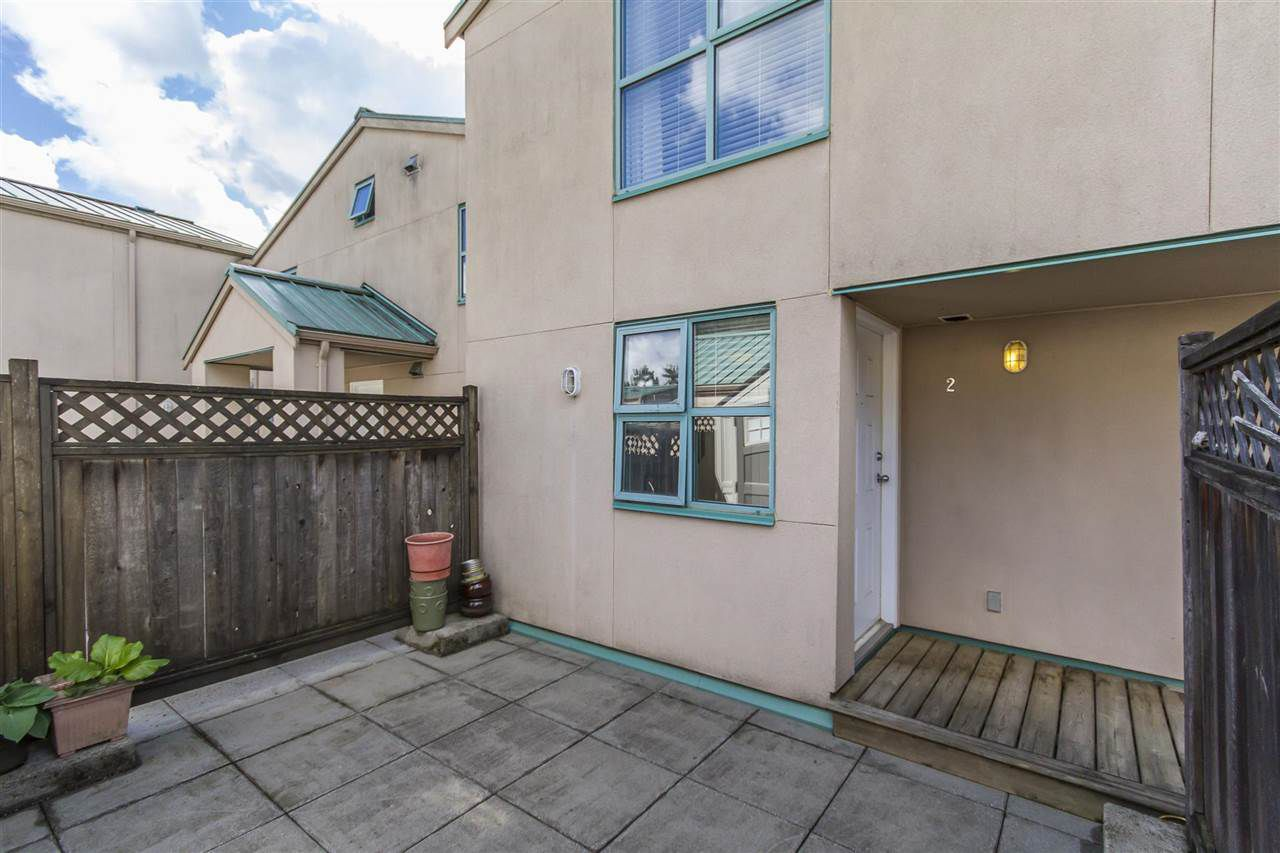 "Main Photo: 2 3200 WESTWOOD Street in Port Coquitlam: Central Pt Coquitlam Townhouse for sale in ""HIDDEN HILLS"" : MLS®# R2265735"
