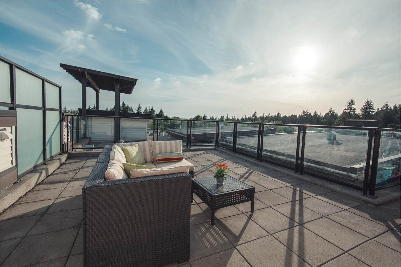 Main Photo: 601 7478 BYRNEPARK WALK in : South Slope Condo for sale (Burnaby South)  : MLS®# R2174892