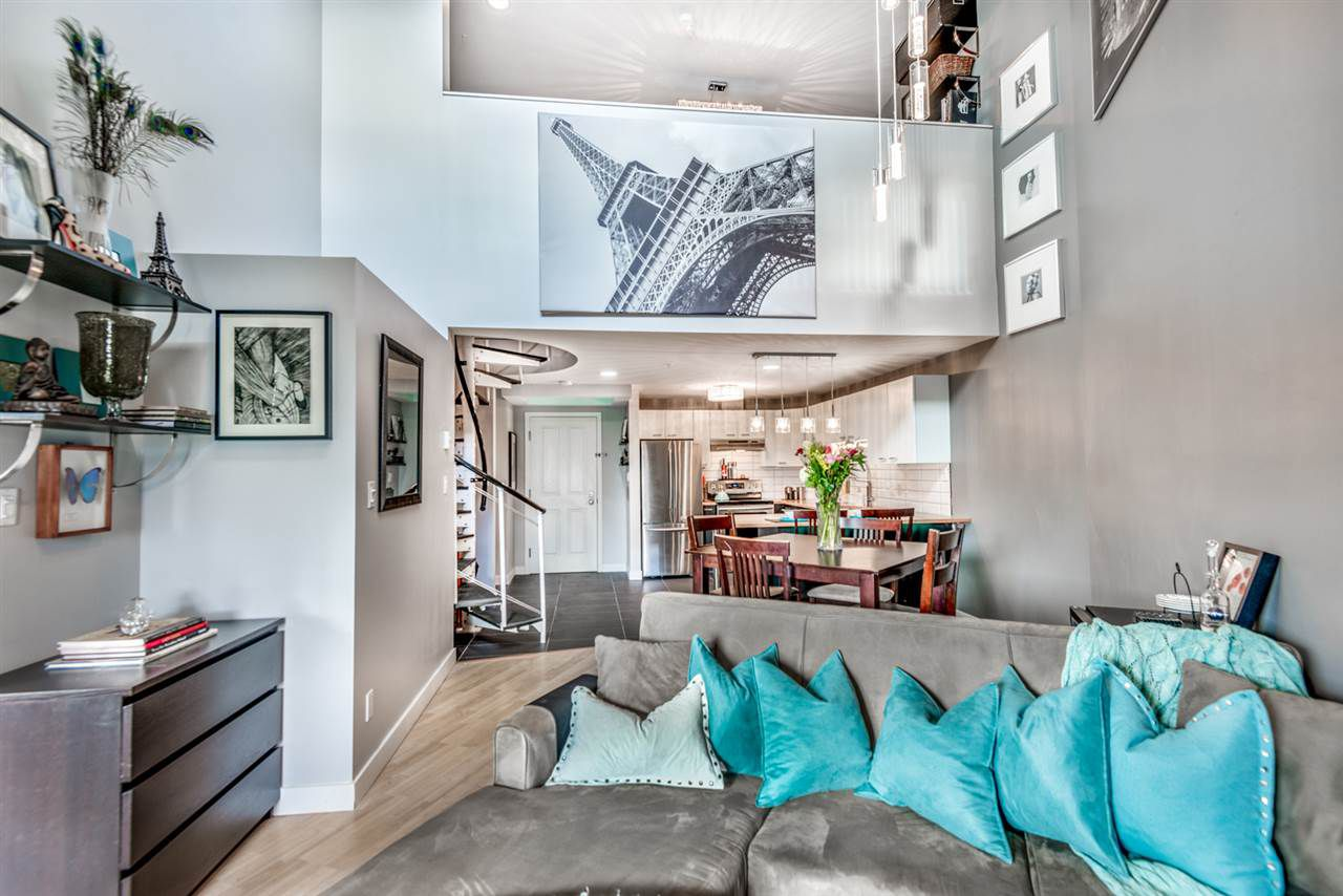 """Main Photo: A421 2099 LOUGHEED Highway in Port Coquitlam: Glenwood PQ Condo for sale in """"Shaughnessy Square"""" : MLS®# R2322132"""