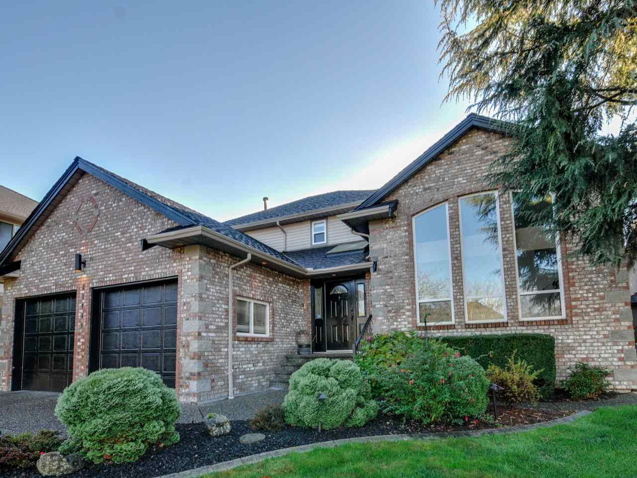 """Main Photo: 20648 91B Avenue in Langley: Walnut Grove House for sale in """"GREENWOOD ESTATES"""" : MLS®# R2323442"""