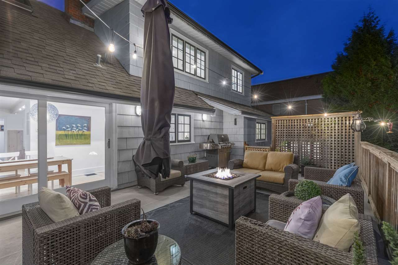 Main Photo: 2384 MATHERS Avenue in West Vancouver: Dundarave House for sale : MLS®# R2323866