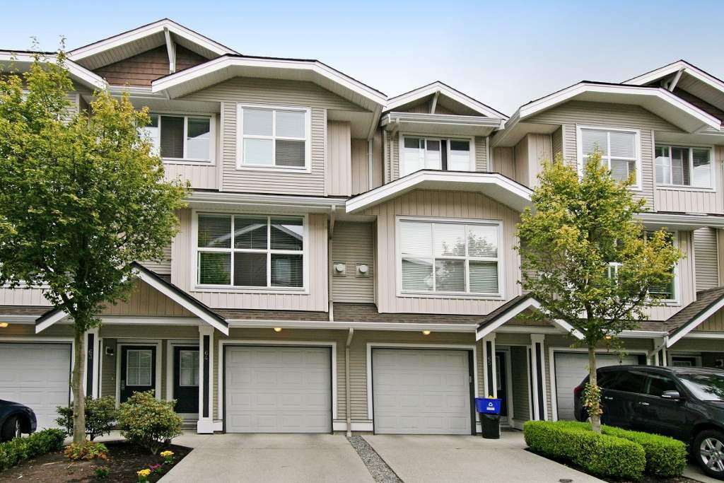 "Main Photo: 64 20460 66 Avenue in Langley: Willoughby Heights Townhouse for sale in ""Willow Edge"" : MLS®# R2347246"