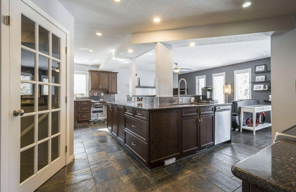 Main Photo: 290 HEATH Road in Edmonton: Zone 14 House for sale : MLS®# E4147255
