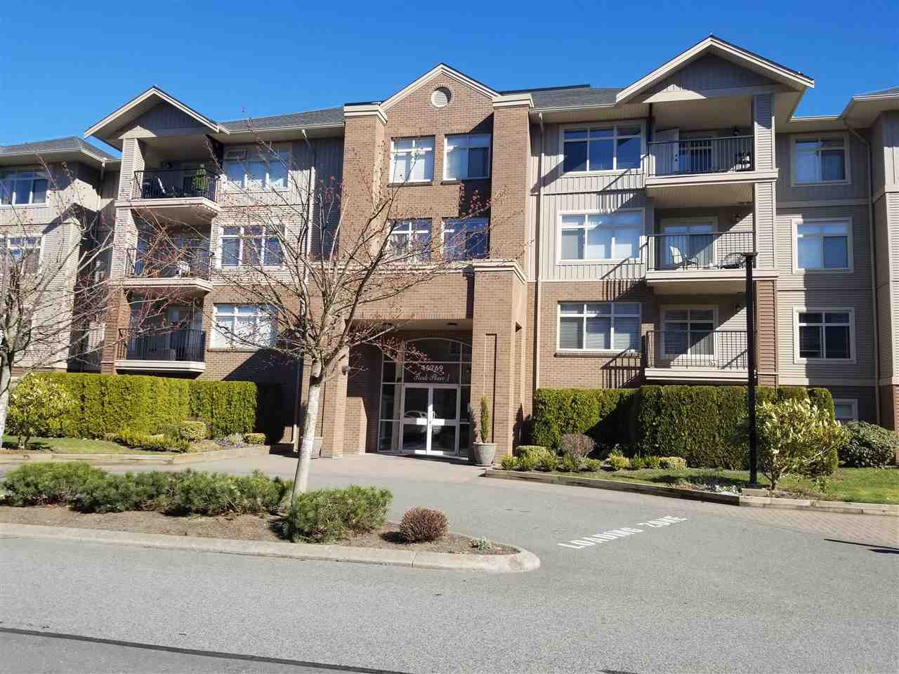 Main Photo: 318 45769 STEVENSON Road in Sardis: Sardis East Vedder Rd Condo for sale : MLS®# R2348093