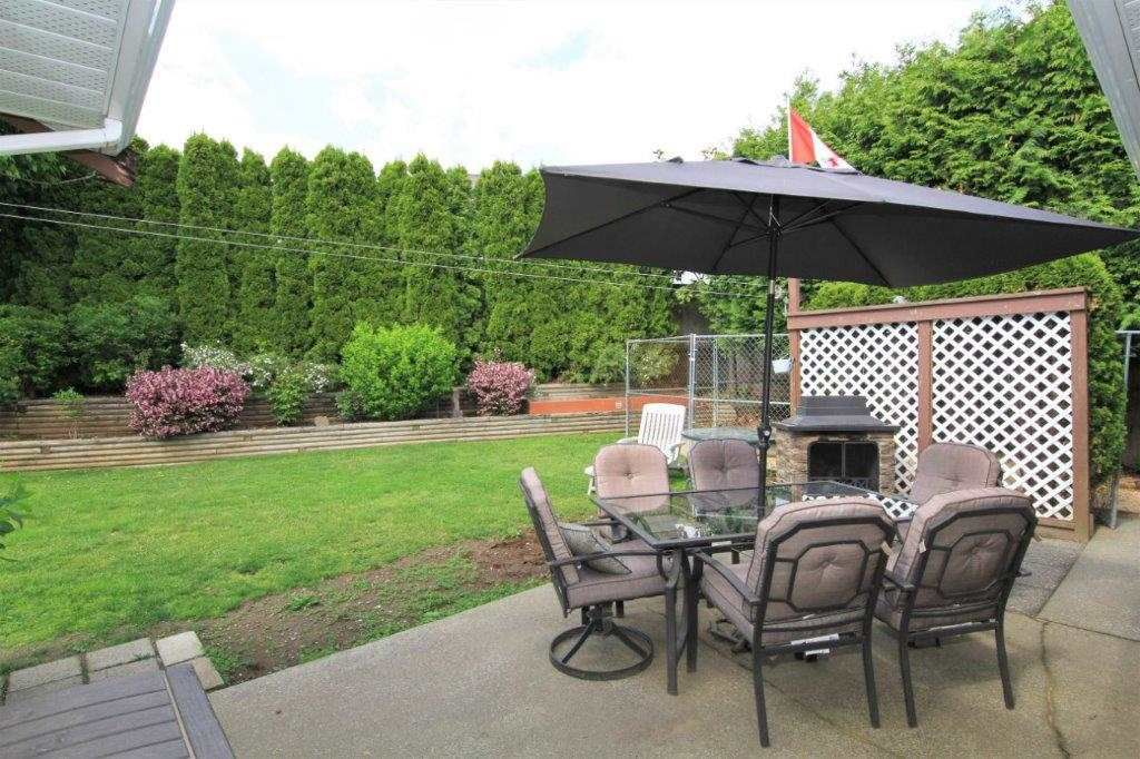 Photo 18: Photos: 8269 WHARTON Place in Mission: Mission BC House for sale : MLS®# R2372117