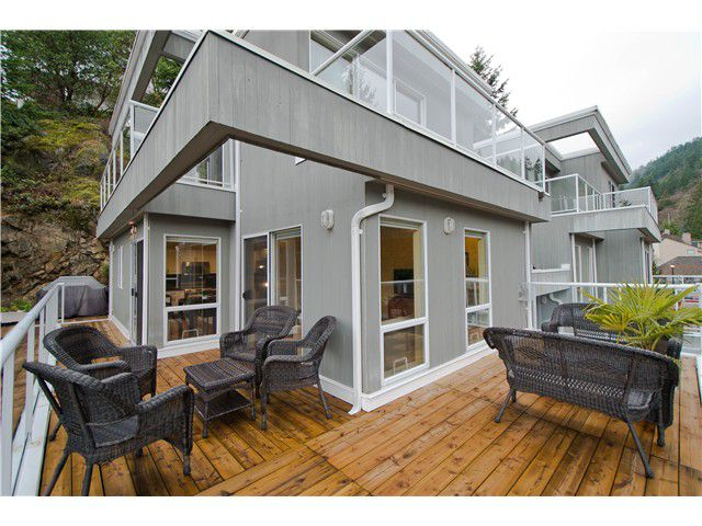 Main Photo: 5326 WESTHAVEN Wynd in West Vancouver: Eagle Harbour House for sale : MLS®# V989304