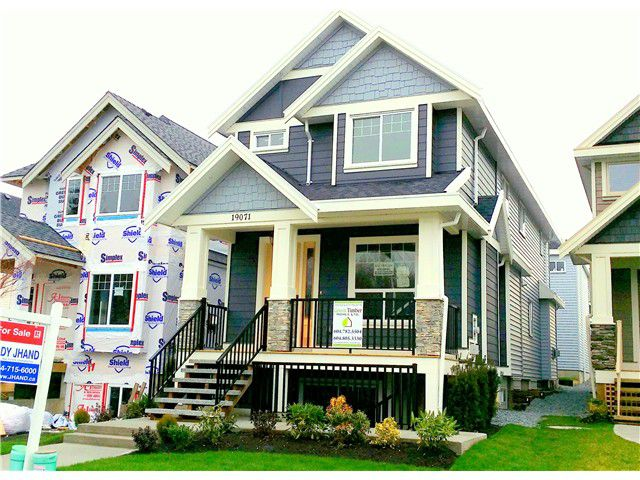 "Main Photo: 19071 67A Avenue in Surrey: Clayton House for sale in ""Clayton Hill"" (Cloverdale)  : MLS®# F1326477"