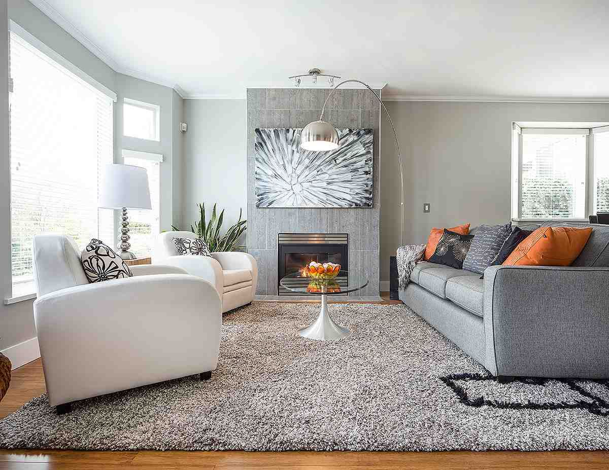 """Main Photo: 1 233 E 6TH Street in North Vancouver: Lower Lonsdale Townhouse for sale in """"ST ANDREWS HOUSE"""" : MLS®# R2023614"""
