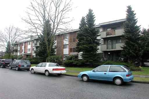 Main Photo: 202 6715 BURLINGTON AVENUE in : Metrotown Condo for sale : MLS®# V296066