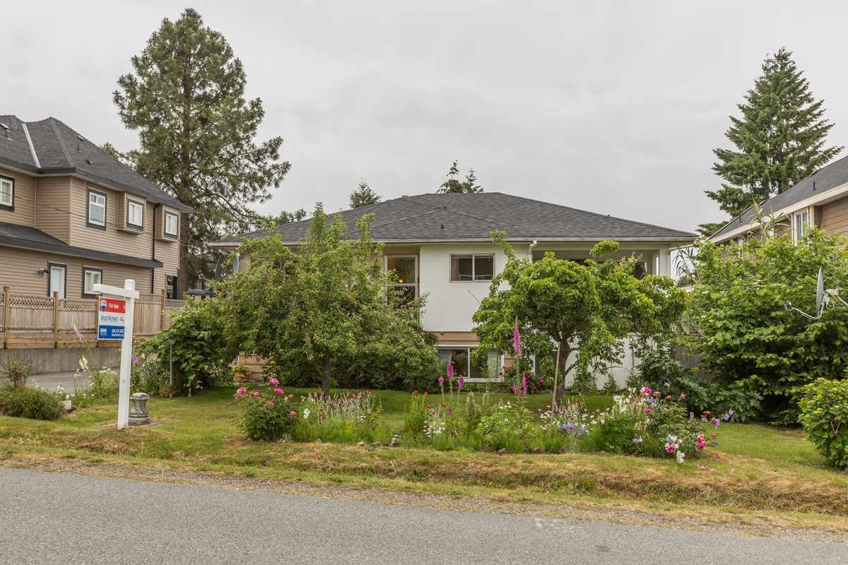 Main Photo: 9881 123RD Street in Surrey: Cedar Hills House for sale (North Surrey)  : MLS®# R2074552