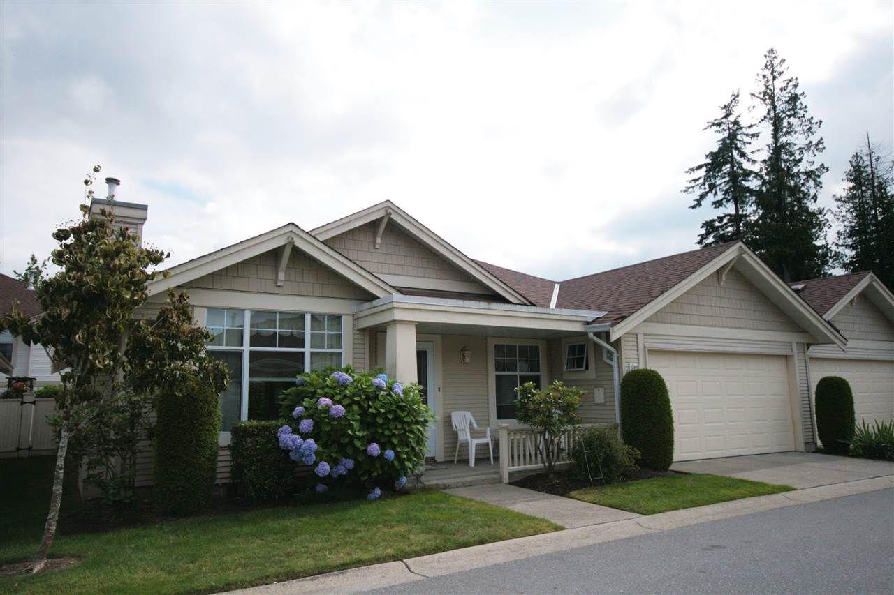 "Main Photo: 20 20751 87 Avenue in Langley: Walnut Grove Townhouse for sale in ""SUMMERFIELD"" : MLS®# R2080958"