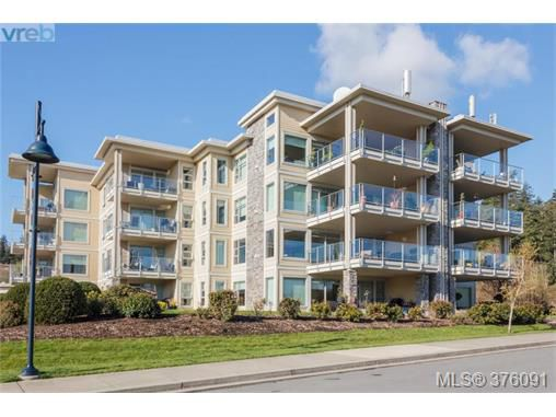 Main Photo: 208 3234 Holgate Lane in VICTORIA: Co Lagoon Condo Apartment for sale (Colwood)  : MLS®# 376091