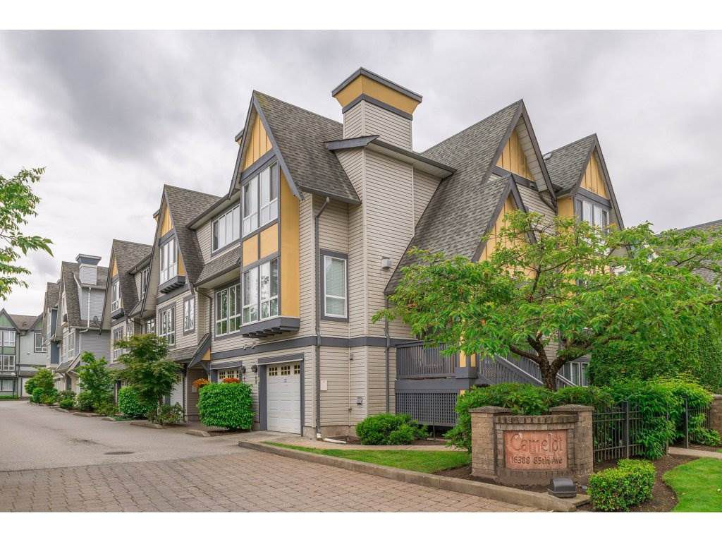 "Main Photo: 63 16388 85 Avenue in Surrey: Fleetwood Tynehead Townhouse for sale in ""CAMELOT"" : MLS®# R2176238"
