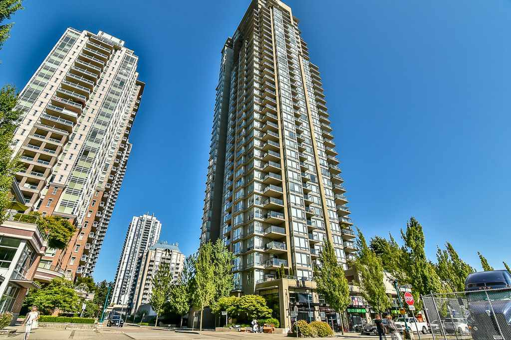 "Main Photo: 2807 2980 ATLANTIC Avenue in Coquitlam: North Coquitlam Condo for sale in ""LEVO"" : MLS®# R2186374"