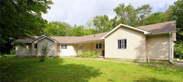 Main Photo: 523 North Mountain Road in Kawartha Lakes: Rural Bexley House (Bungalow) for sale : MLS®# X3898409