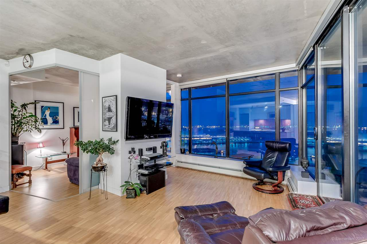 "Main Photo: 2503 128 W CORDOVA Street in Vancouver: Downtown VW Condo for sale in ""WOODWARDS W43"" (Vancouver West)  : MLS®# R2199379"