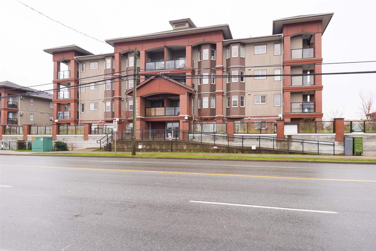 """Main Photo: 308 19730 56 Avenue in Langley: Langley City Condo for sale in """"Madison Place"""" : MLS®# R2236655"""