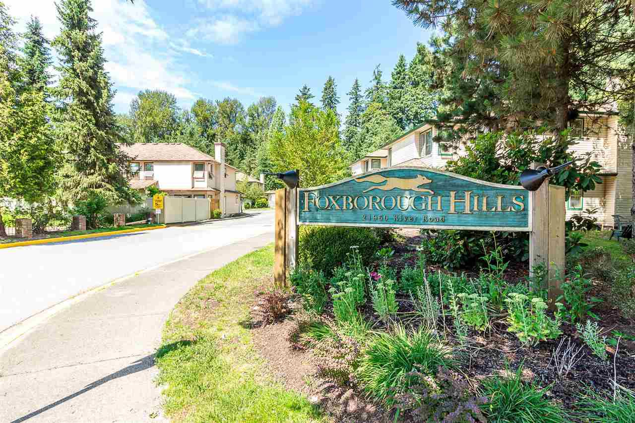 """Main Photo: 27 21960 RIVER Road in Maple Ridge: West Central Townhouse for sale in """"Foxborough Hills"""" : MLS®# R2286319"""