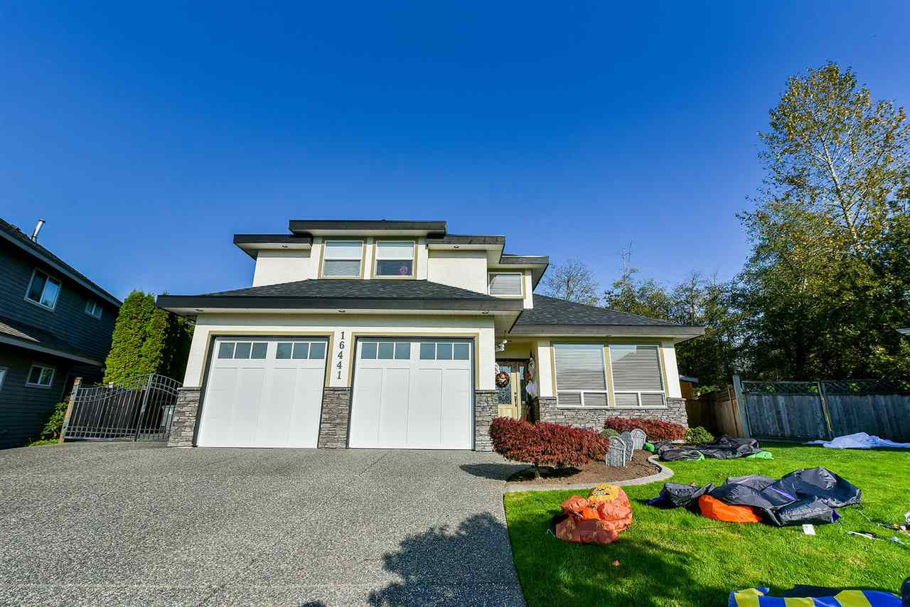 "Main Photo: 16441 GLENSIDE Court in Surrey: Fraser Heights House for sale in ""Fraser Glen"" (North Surrey)  : MLS®# R2317953"