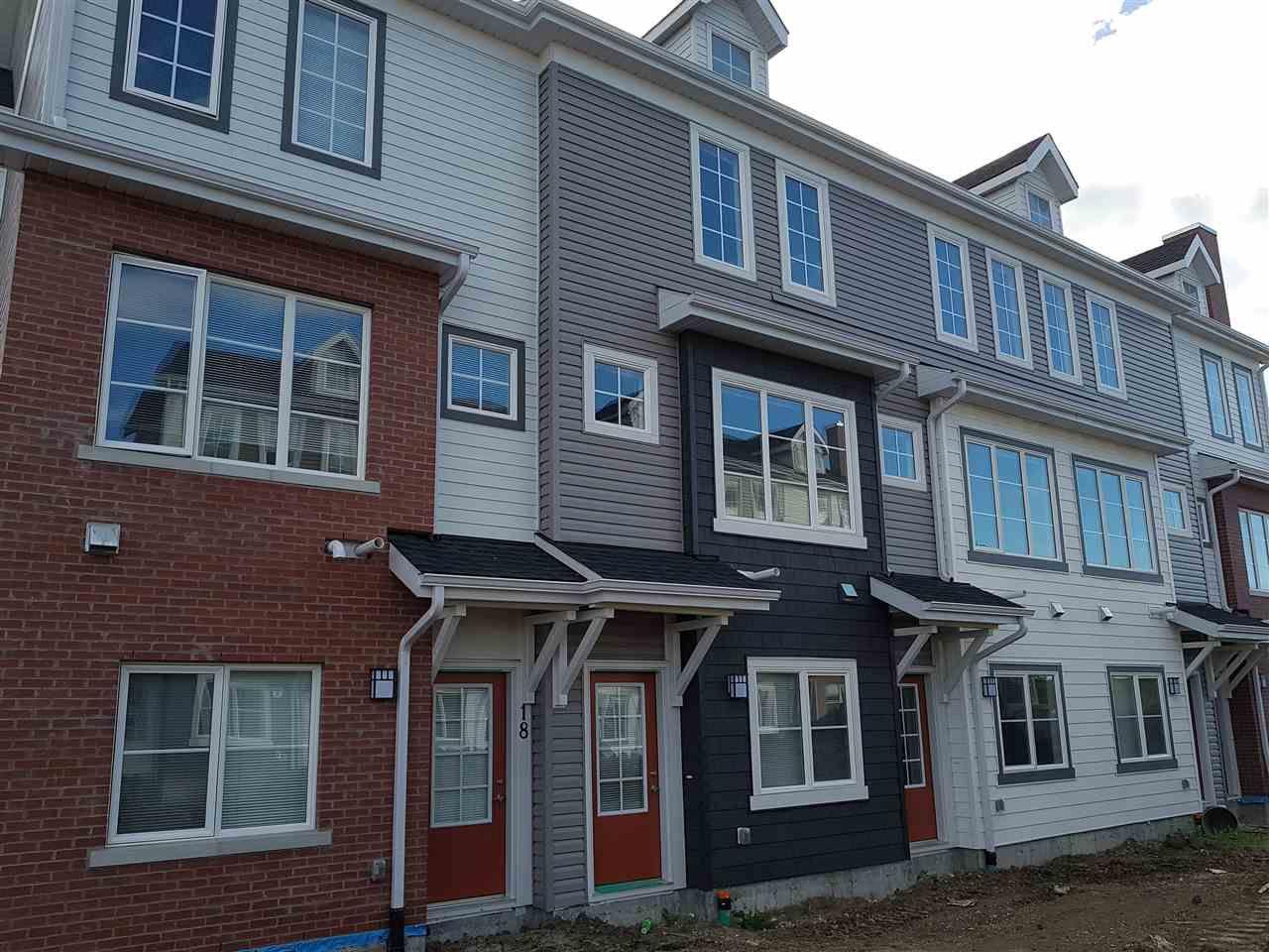 Main Photo: 17 1636 Kerr Road in Edmonton: Zone 27 Townhouse for sale : MLS®# E4142512