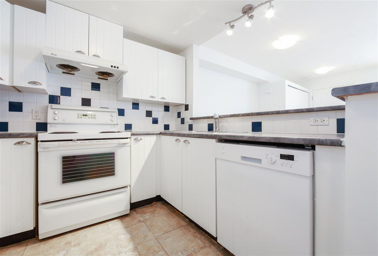 """Photo 6: Photos: 7313 MAGNOLIA Terrace in Burnaby: Highgate Townhouse for sale in """"THE VILLAGE"""" (Burnaby South)  : MLS®# R2345927"""