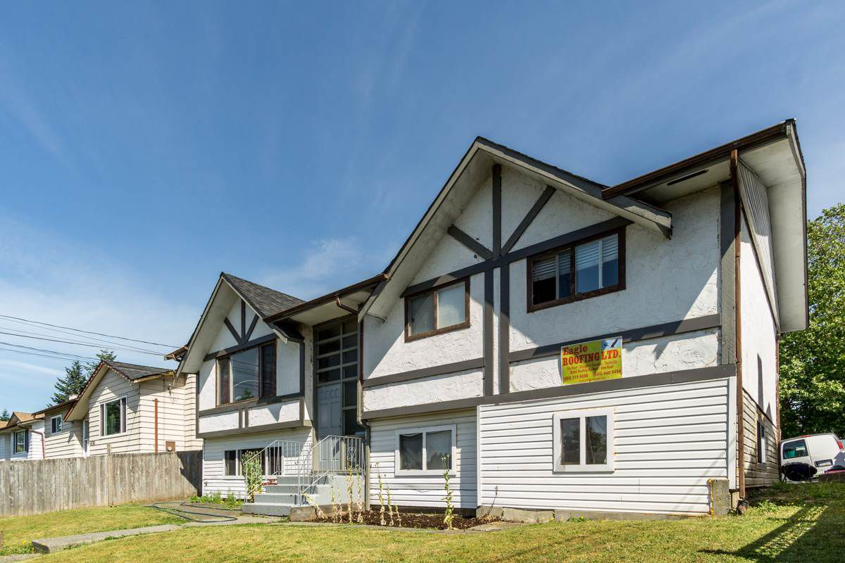 Main Photo: 14771 88 Avenue in Surrey: Bear Creek Green Timbers House for sale : MLS®# R2379953