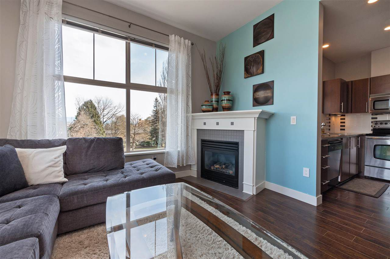 """Main Photo: 410 2478 SHAUGHNESSY Street in Port Coquitlam: Central Pt Coquitlam Condo for sale in """"Shaughnessy East"""" : MLS®# R2384936"""