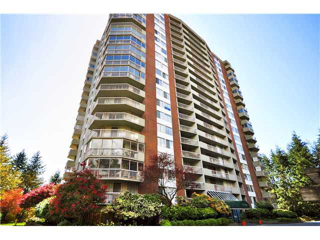 "Main Photo: 417 2012 FULLERTON Avenue in North Vancouver: Pemberton NV Condo for sale in ""WOODCROFT ESTATES"" : MLS®# V1045833"