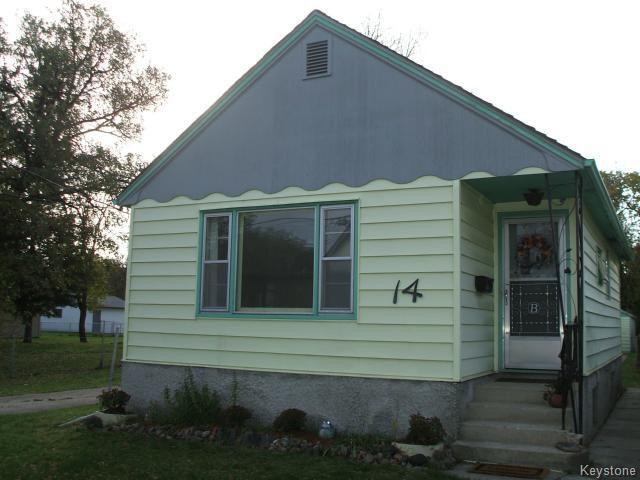 Main Photo: 14 Berrydale Avenue in WINNIPEG: St Vital Residential for sale (South East Winnipeg)  : MLS®# 1424942