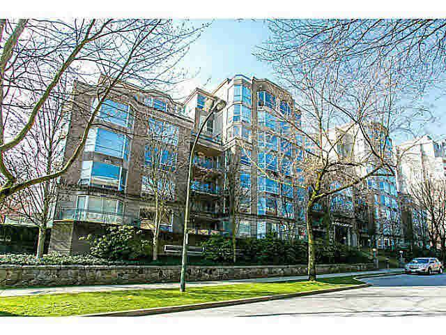 """Main Photo: 303 500 W 10TH Avenue in Vancouver: Fairview VW Condo for sale in """"Cambridge Court"""" (Vancouver West)  : MLS®# R2050237"""