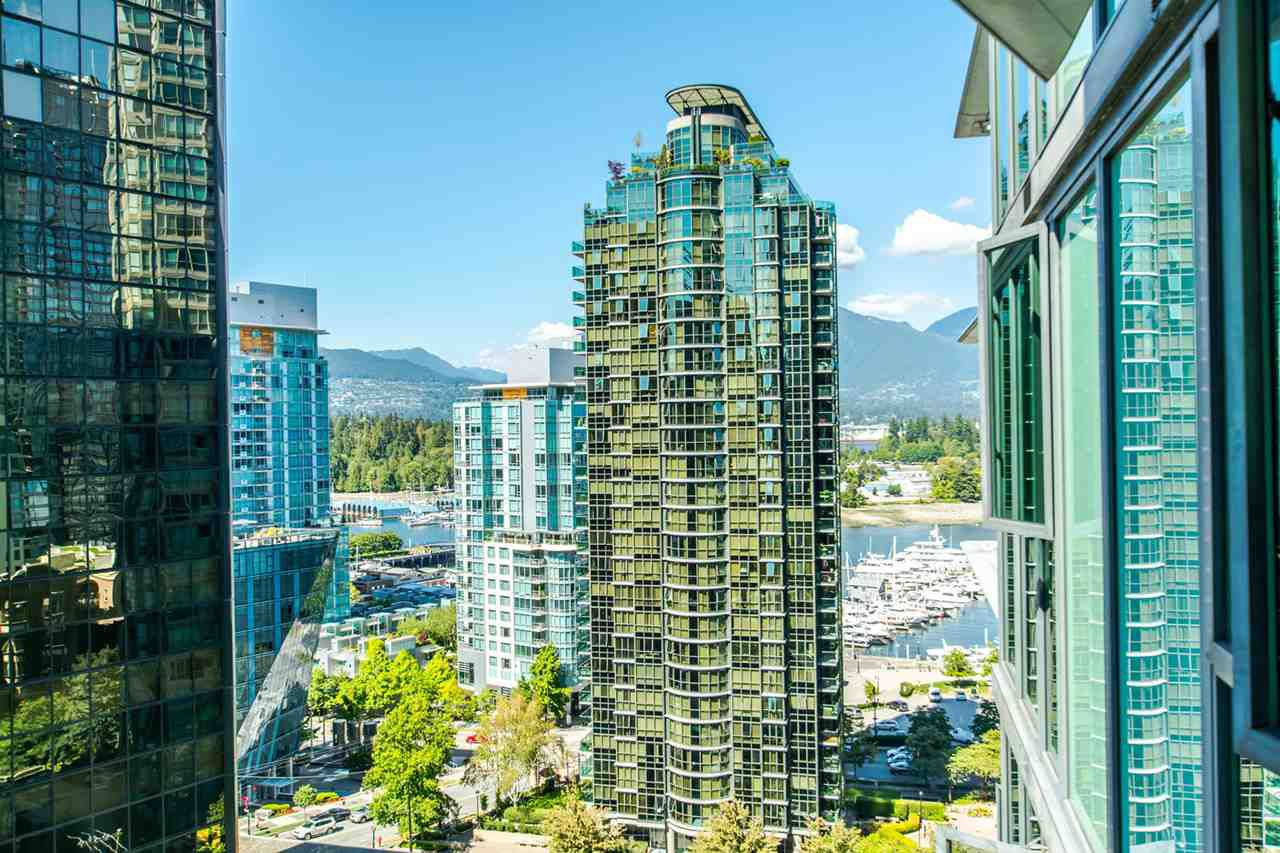 """Main Photo: 1607 1331 W GEORGIA Street in Vancouver: Coal Harbour Condo for sale in """"THE POINT"""" (Vancouver West)  : MLS®# R2099225"""