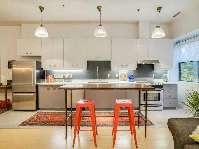 Main Photo: 204 700 W King Street in Toronto: Niagara Condo for sale (Toronto C01)  : MLS®# C3633674