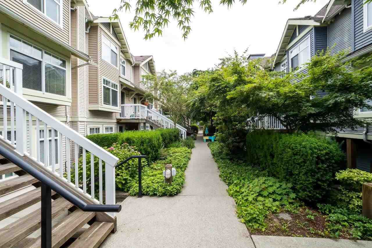 Main Photo: 49 7488 SOUTHWYNDE Avenue in Burnaby: South Slope Townhouse for sale (Burnaby South)  : MLS®# R2152436