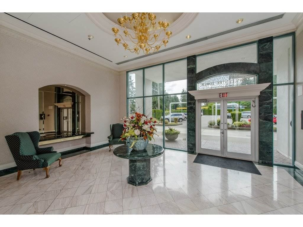 """Main Photo: 1701 32330 SOUTH FRASER Way in Abbotsford: Abbotsford West Condo for sale in """"Town Center"""" : MLS®# R2222814"""