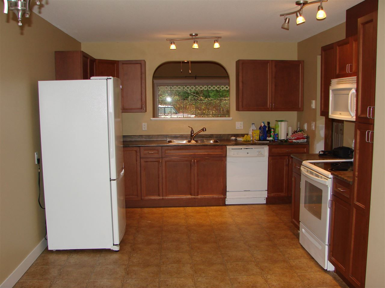 Photo 5: Photos: 6337 TOWER Road in Sechelt: Sechelt District House for sale (Sunshine Coast)  : MLS®# R2225520