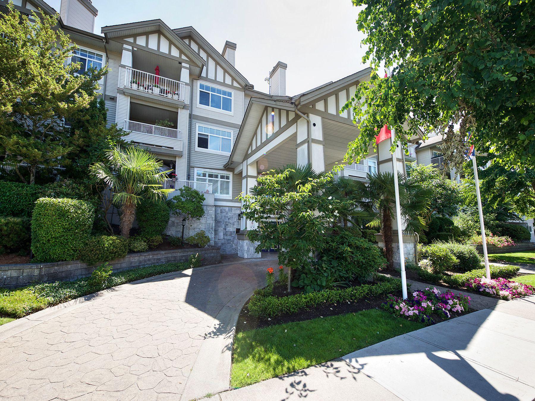 Main Photo: 309 4770 52A Street in Delta: Delta Manor Condo for sale (Ladner)  : MLS®# R2271731