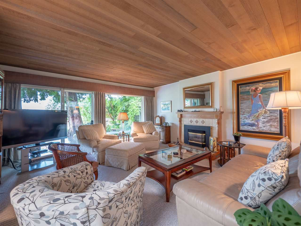 Main Photo: 5254 YACHT Road in Sechelt: Sechelt District House for sale (Sunshine Coast)  : MLS®# R2306959