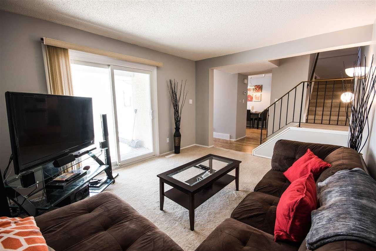 Main Photo: 6 WOODVALE Village in Edmonton: Zone 29 Townhouse for sale : MLS®# E4136432