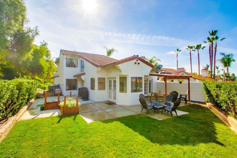 Main Photo: SOUTH ESCONDIDO House for sale : 4 bedrooms : 3707 Wildrose Glen in Escondido