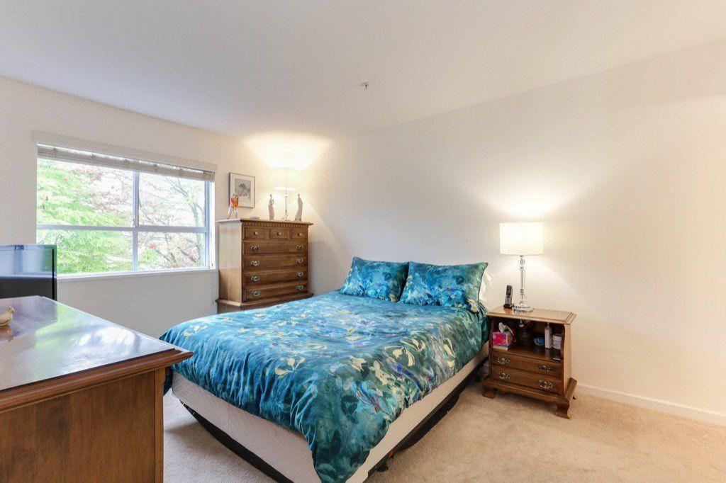 "Photo 10: Photos: 310 4758 53 Street in Delta: Delta Manor Condo for sale in ""SINNINGDALE III"" (Ladner)  : MLS®# R2361282"