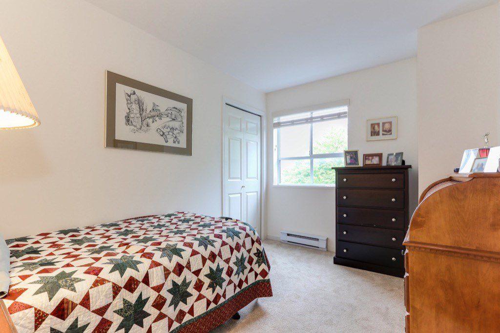 "Photo 14: Photos: 310 4758 53 Street in Delta: Delta Manor Condo for sale in ""SINNINGDALE III"" (Ladner)  : MLS®# R2361282"