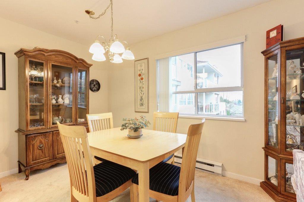 "Photo 5: Photos: 310 4758 53 Street in Delta: Delta Manor Condo for sale in ""SINNINGDALE III"" (Ladner)  : MLS®# R2361282"
