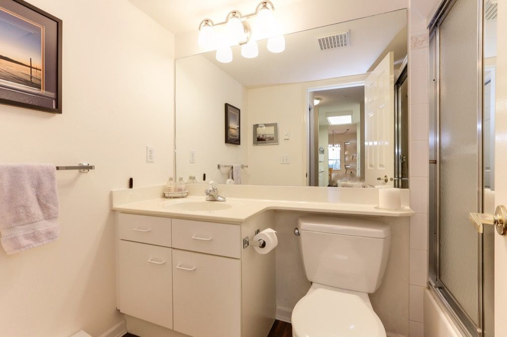 "Photo 15: Photos: 310 4758 53 Street in Delta: Delta Manor Condo for sale in ""SINNINGDALE III"" (Ladner)  : MLS®# R2361282"