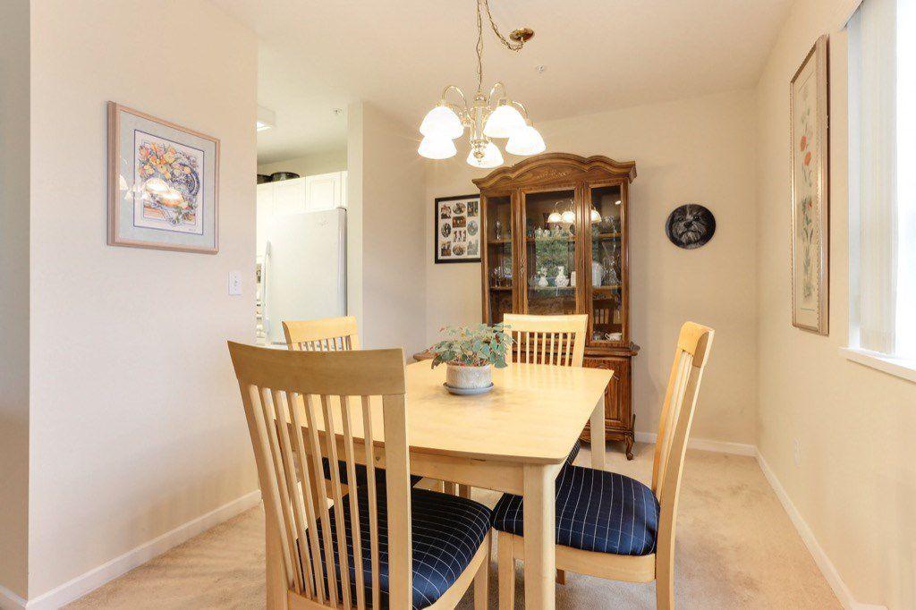 "Photo 6: Photos: 310 4758 53 Street in Delta: Delta Manor Condo for sale in ""SINNINGDALE III"" (Ladner)  : MLS®# R2361282"