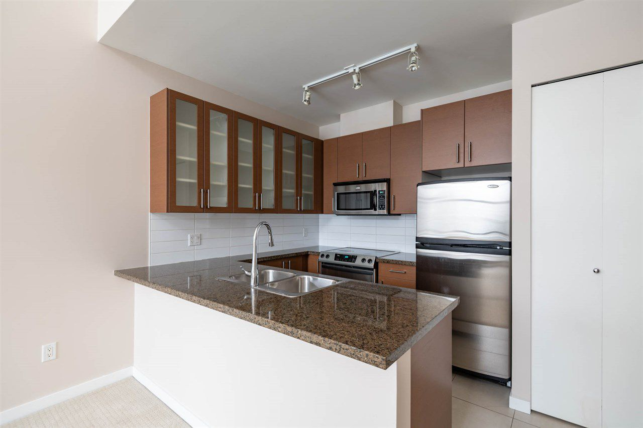 """Main Photo: TH11 4250 DAWSON Street in Burnaby: Brentwood Park Townhouse for sale in """"OMA 2"""" (Burnaby North)  : MLS®# R2376131"""