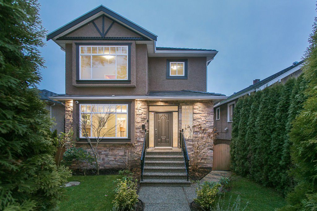 Main Photo: 2726 W 41ST Avenue in Vancouver: Kerrisdale House for sale (Vancouver West)  : MLS®# R2026052