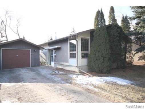 Main Photo: 823 SHANNON Road in Regina: Whitmore Park Single Family Dwelling for sale (Regina Area 05)  : MLS®# 563213
