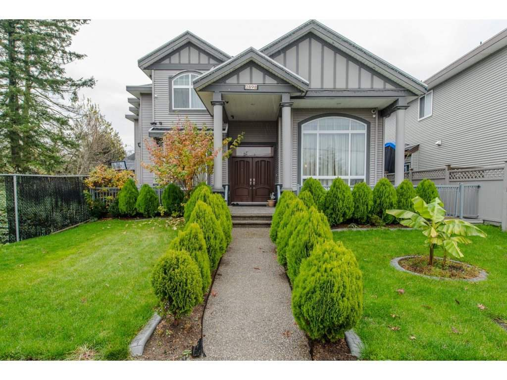 Main Photo: 2898 STATION Road in Abbotsford: Aberdeen House for sale : MLS®# R2121319