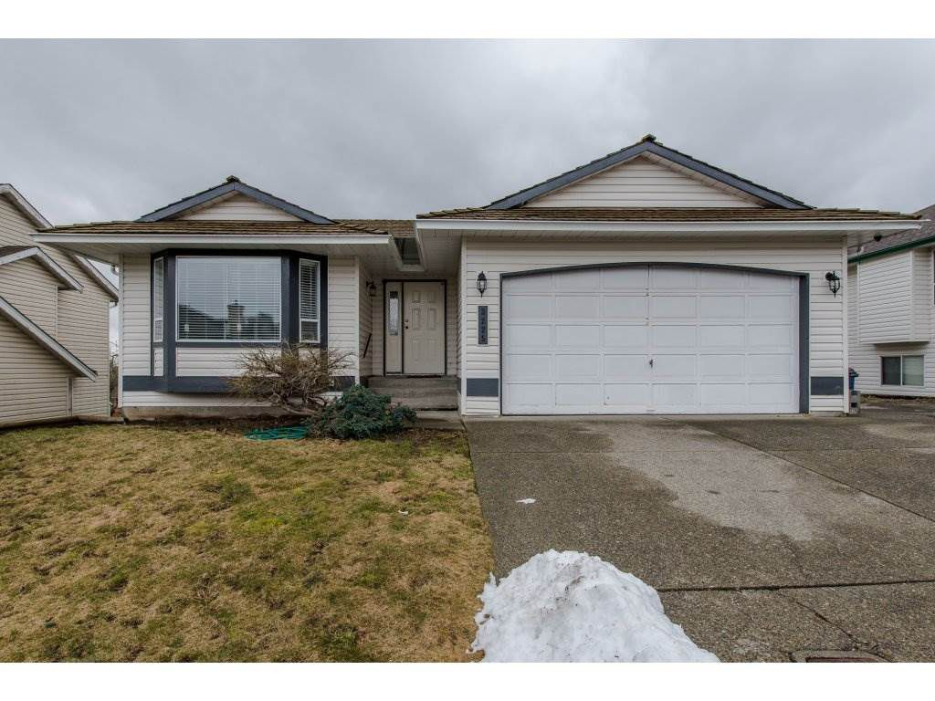 Main Photo: 3225 PONDEROSA Street in Abbotsford: Abbotsford West House for sale : MLS®# R2142355