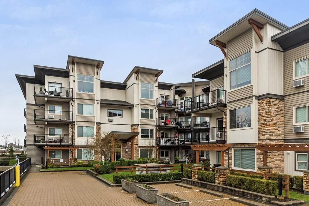 "Main Photo: 416 11935 BURNETT Street in Maple Ridge: East Central Condo for sale in ""KENSINGTON PARK"" : MLS®# R2234811"